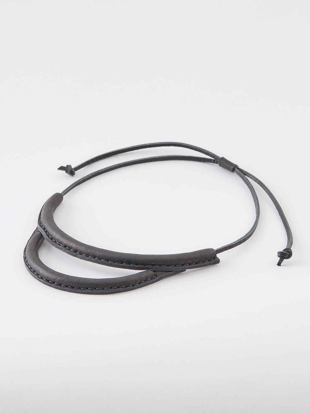 Arc Necklace - Black