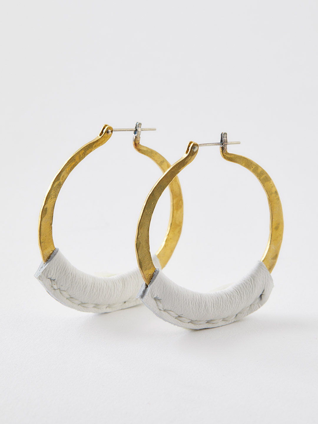 Leather Kive Pierced Earrings - White