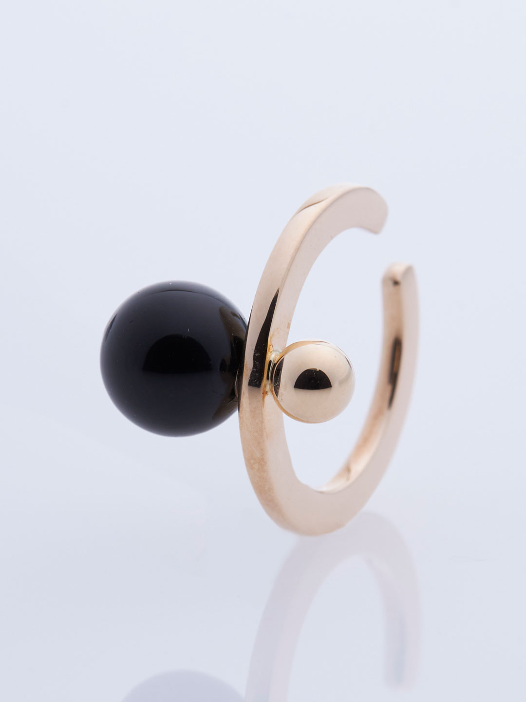 Bumble Bee Onyx & Gold Ear Cuff - Yellow Gold