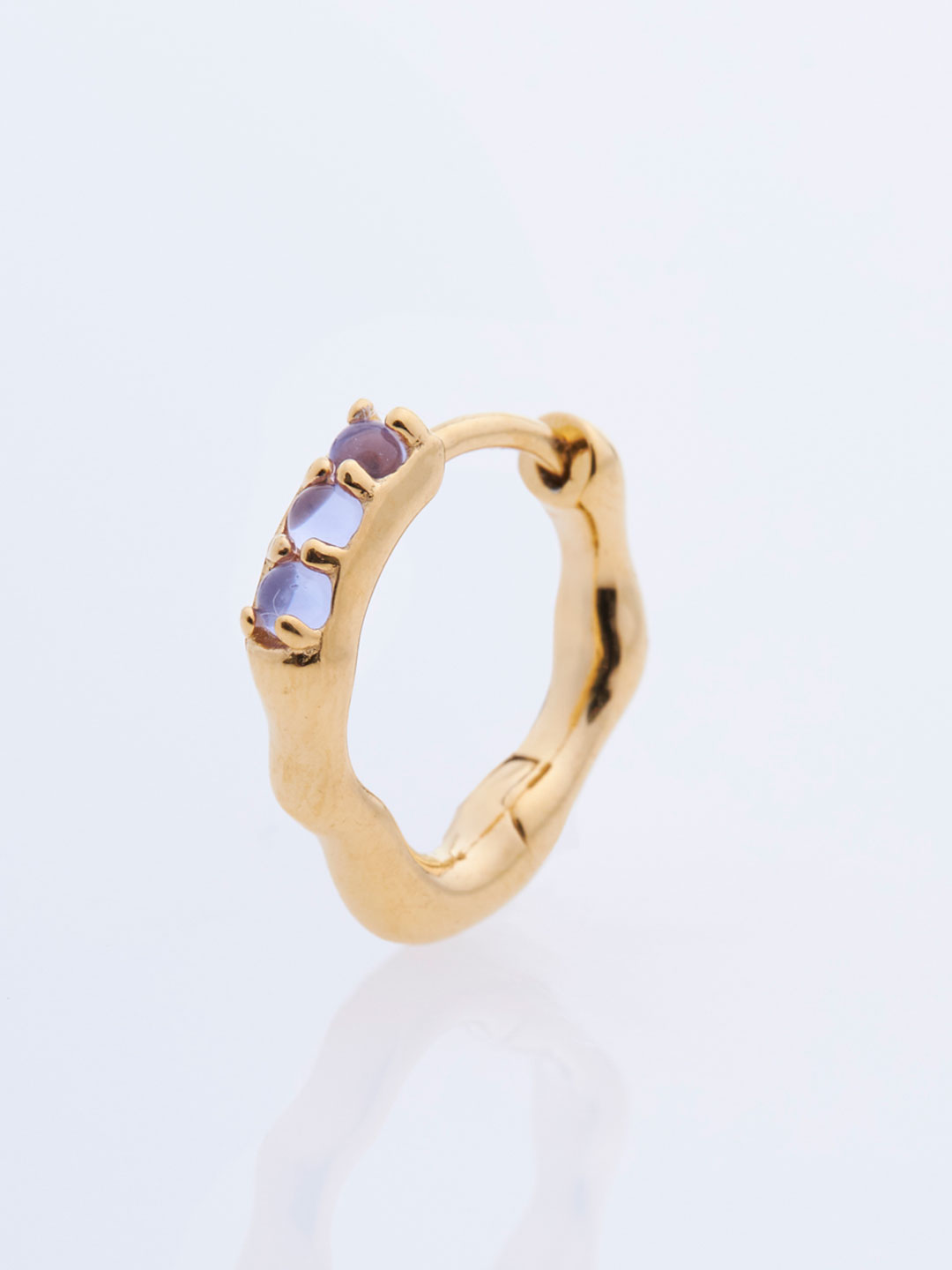 Bordo Huggie Violet Pierced Earring - Yellow Gold