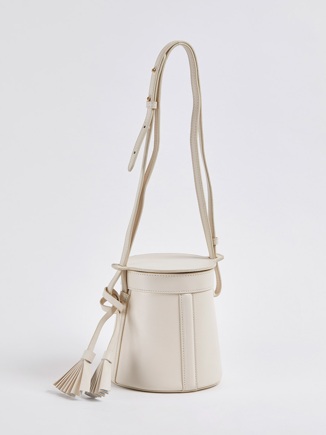 Petite A-Line Bucket With Fan Tassel - Creme