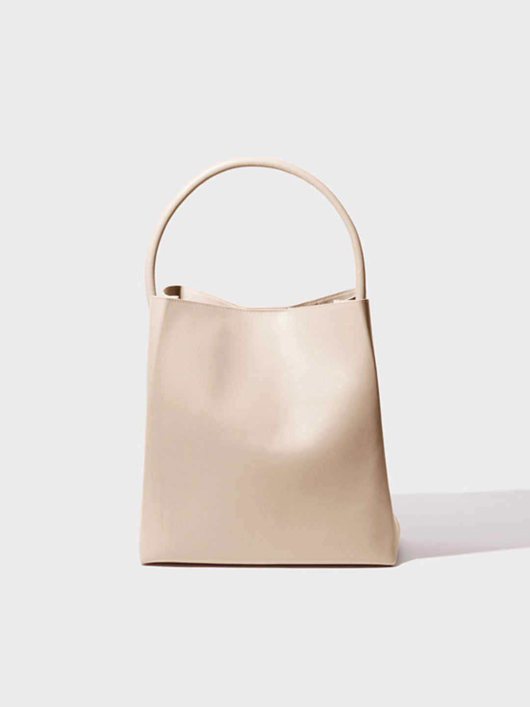 Arch Handle Pleat Tote Bag - Light Beige