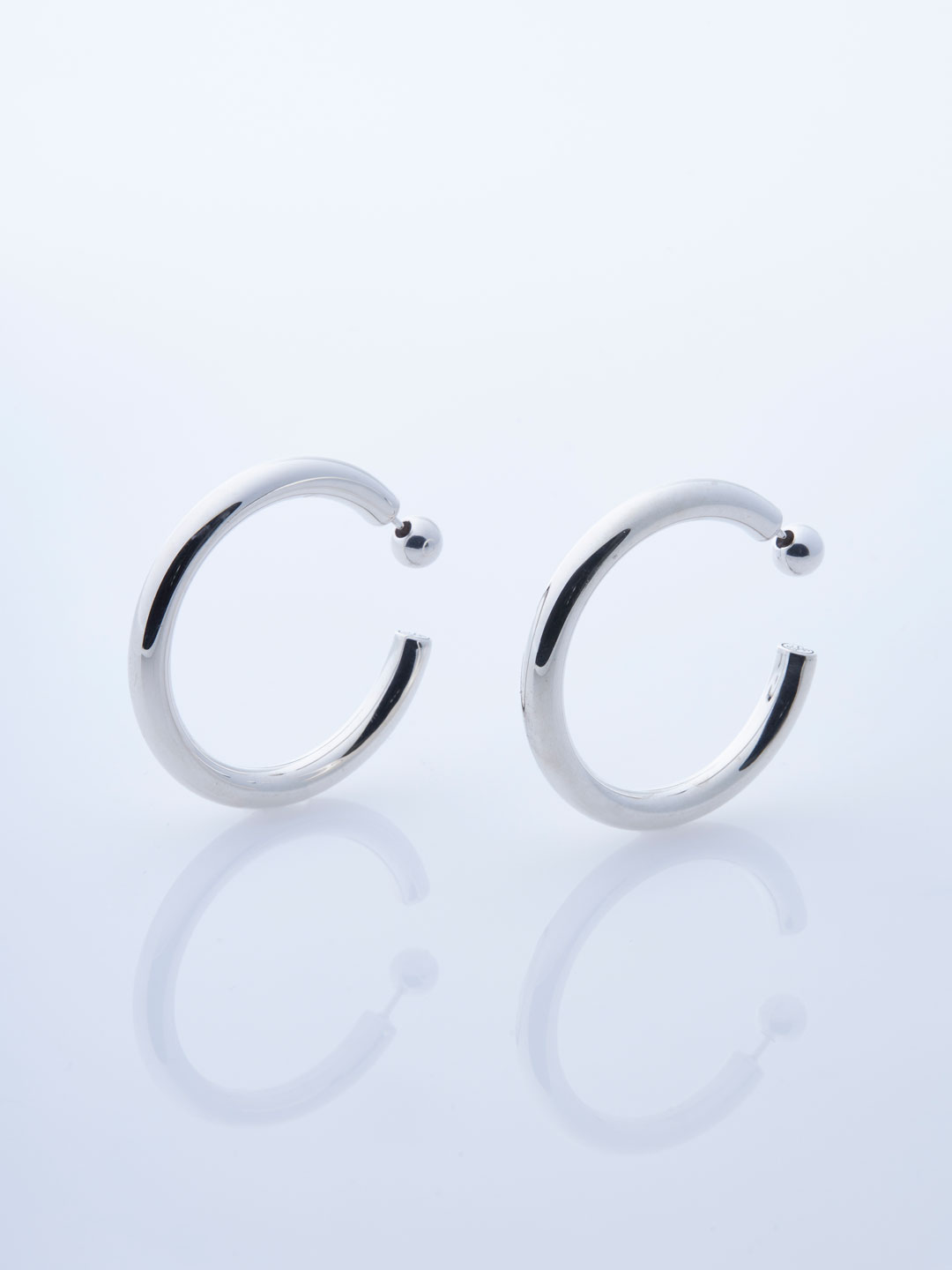 Medium Everyday Pierced Hoops - Silver
